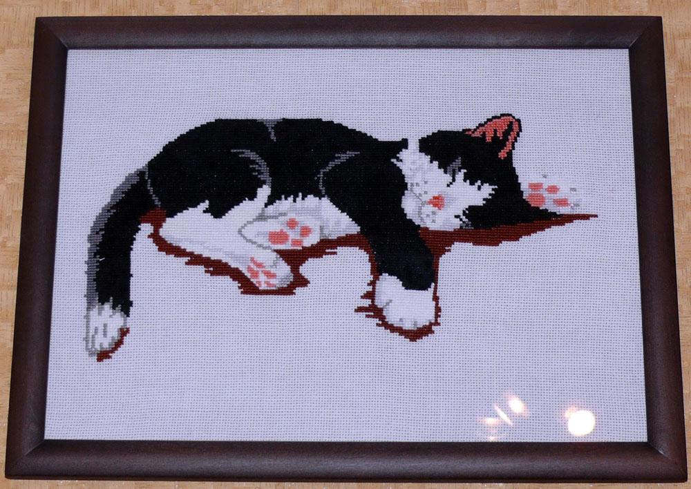 Вышивка бисером спящие коты 1000